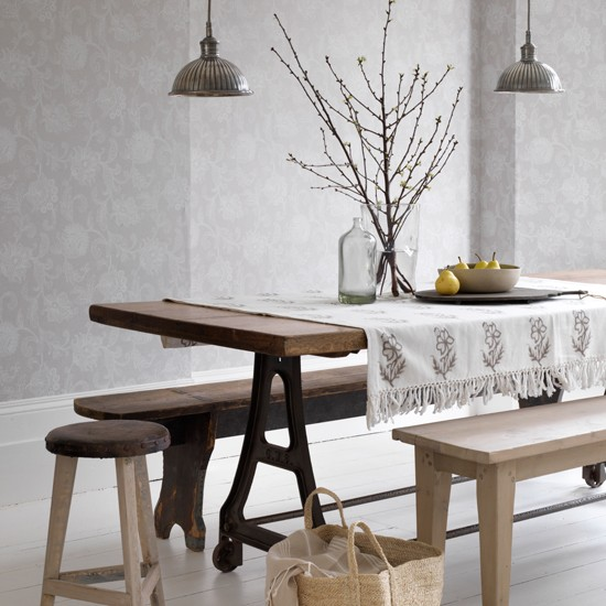 Dining room with grey damask wallpaper how to decorate for Grey dining room wallpaper
