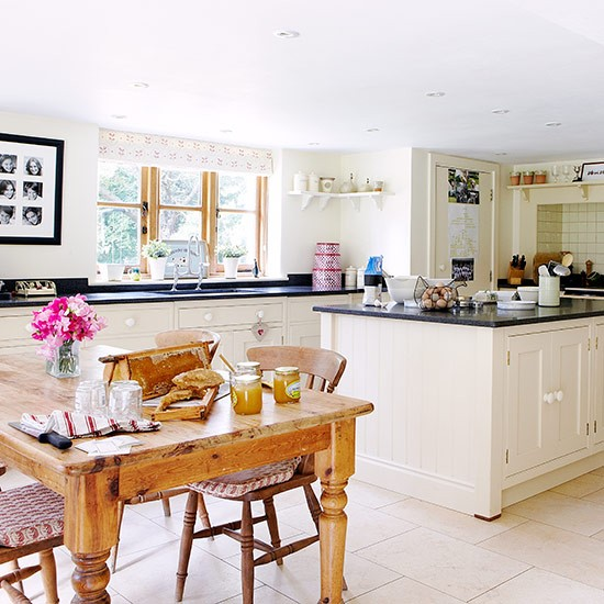 Cream open plan country kitchen open plan kitchen design for Kitchen ideas uk