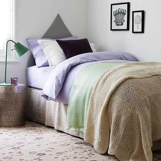 Neutral Bedroom Decorating Ideas Guest Bedroom Design Ideas Bedroom Decor For Black Furniture Bedroom Decor Pinterest Diy: Guest Room With Floral Carpet