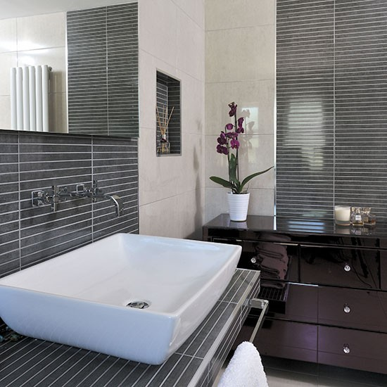 Bathroom With Grey Pinstripe Tiles Decorating