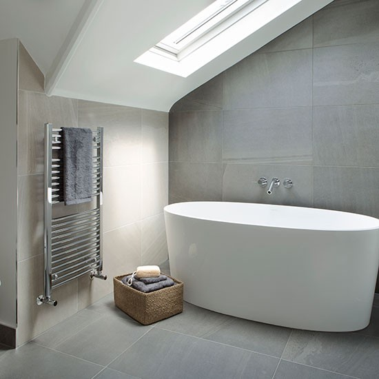 Grey and cream tiled modern bathroom decorating for Contemporary bathroom tiles