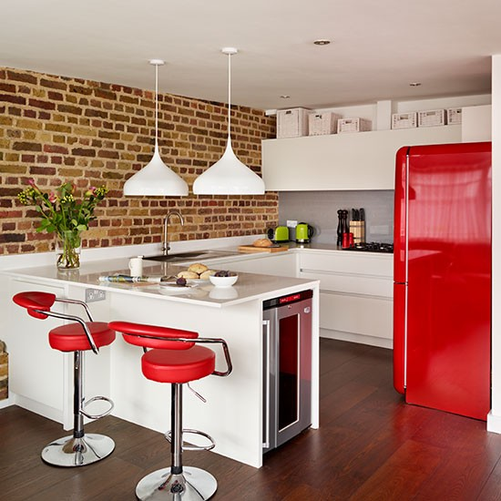 Modern open plan red and white kitchen decorating for Modern kitchen company