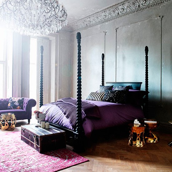 Dramatic venetian style bedroom decorating housetohome for Dramatic beds