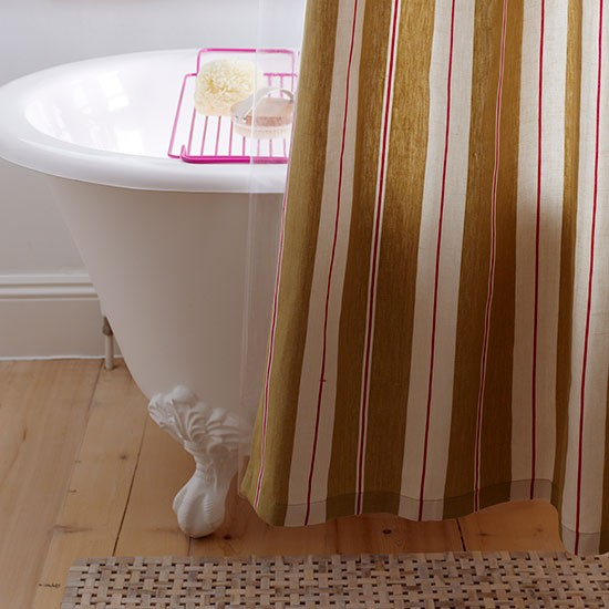 Classic Family Bath With Signature Shower Curtain Family