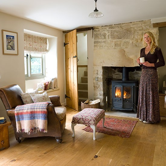 House tour 1850s gloucestershire cottage for Country living room ideas uk