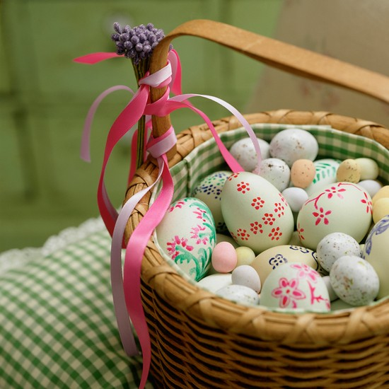 Easter Basket With Painted Eggs Easter Decorating Ideas Easter