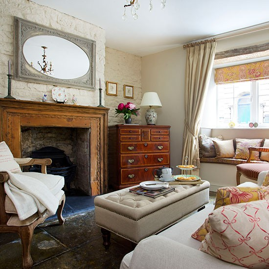 Living room | Grade II listed stone cottage | House tour | PHOTO GALLERY | 25 Beautiful Homes | Housetohome.co.uk