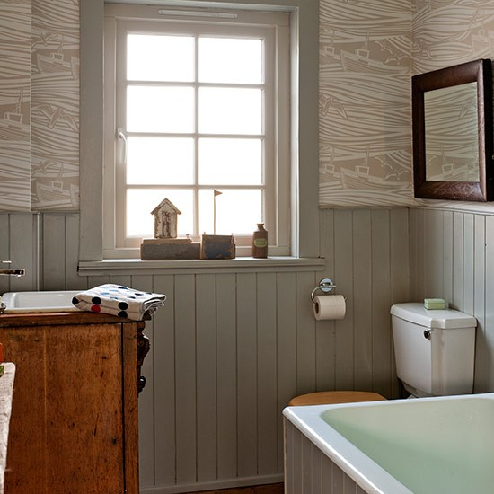 Cosy bathroom with pattern and panelling small bathroom for Neutral bathroom ideas