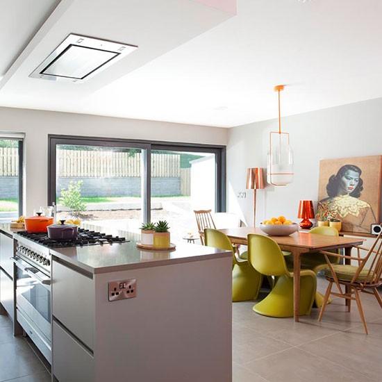 Retro Kitchen Diner: Modern Kitchen Diner With Retro Furniture