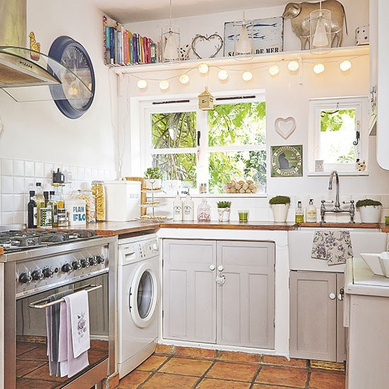 Pale grey country style kitchen decorating housetohome for Grey country kitchen