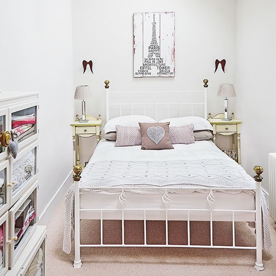 Small White And Pretty Bedroom With Iron Bed Decorating