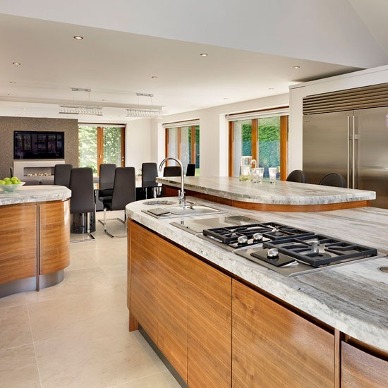 Family kitchen diner with island trio family kitchen for Kitchen ideas uk
