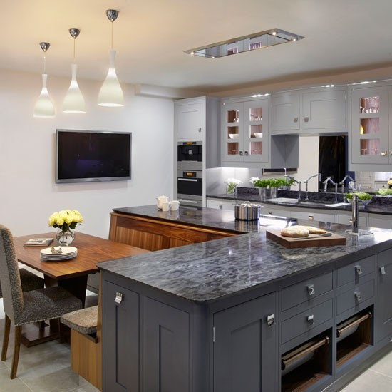 Painted family kitchen with dining nook family kitchen for Kitchen ideas uk