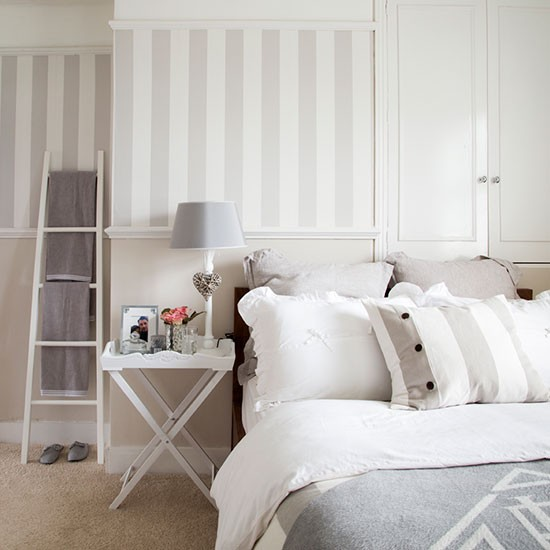 Cream and grey bedroom decorating for Grey and neutral bedroom