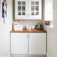 White and oak country style kitchen