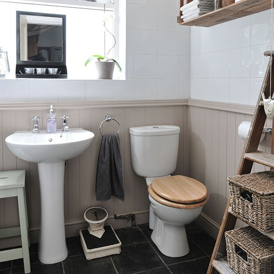 Neutral bathroom with panelling decorating housetohome for Bathroom ideas using tongue and groove