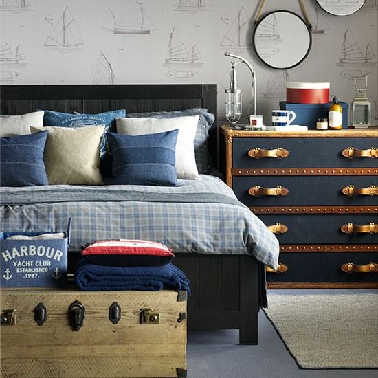 Nautical Home Decor Uk: Nautical Bedroom With Boat Wallpaper