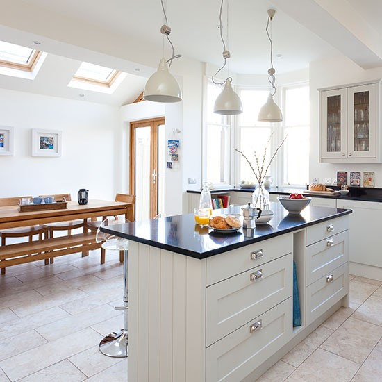 Pale Grey And White Kitchen Diner Decorating