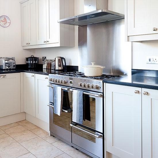 Pale grey shaker style kitchen decorating housetohome for Shaker style kitchen grey