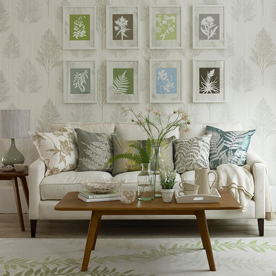Living room with botanical prints spring decorating ideas decorating for Spring living room decorating ideas