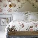 Beautiful romantic bedroom schemes