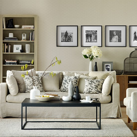 Black and neutral living room decorating for Neutral living room decor
