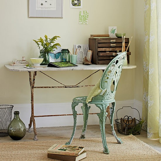 http://housetohome.media.ipcdigital.co.uk/96/0000192a4/d0d4_orh550w550/Vintage-table-and-chair-in-yellow-room--Country-Homes-and-Interiors--Housetohome.co.uk.jpg