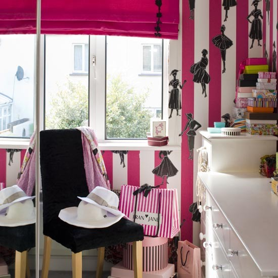 Bedroom With Mirrored Wardrobe Doors Sliding Wardrobe