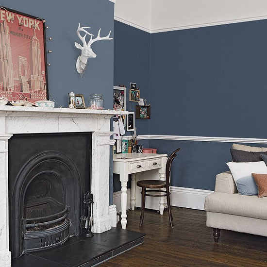 Traditional dark blue living room decorating for Blue wall art for living room