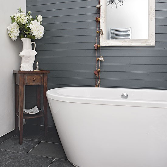 Modern bathroom with grey panelling decorating for Grey paint bathroom ideas