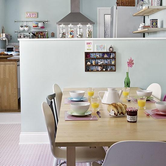 Kitsch pastel kitchen diner decorating for Diner home decor