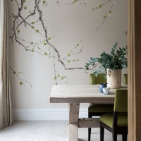 Neutral dining room with feature wall