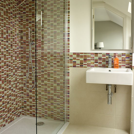 White bathroom with mosaic tiles decorating for Mosaic tile designs for bathrooms