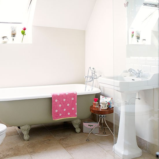 Bathroom | Oxfordshire country house | House tour | PHOTO GALLERY | Country Homes and Interiors | Housetohome.co.uk