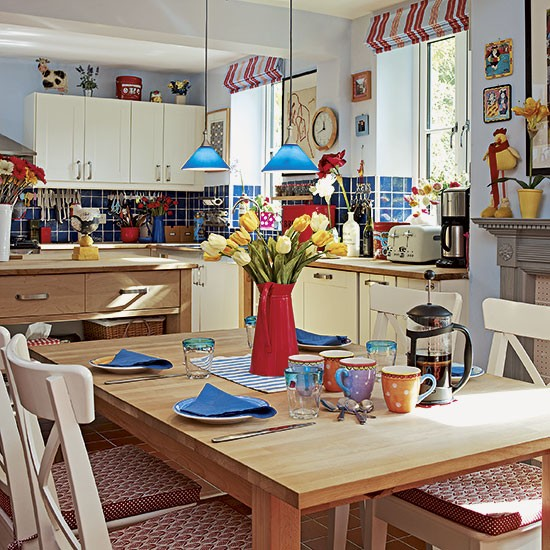 Red And Yellow Kitchen: Country Kitchen With Colourful Accessories