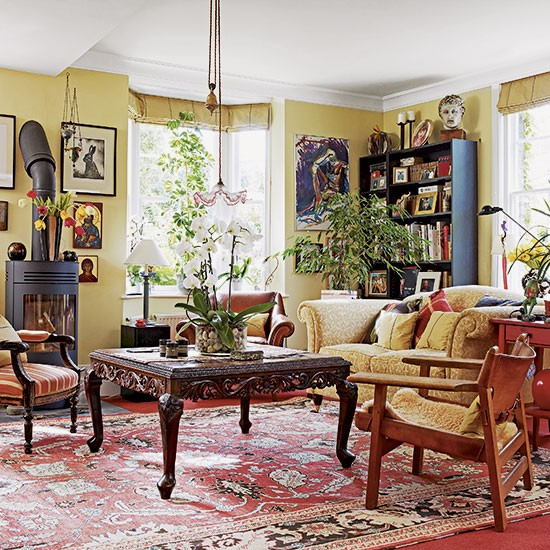 Traditional Yellow Living Room Decorating