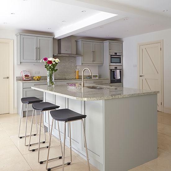Grey kitchen with breakfast bar Decorating