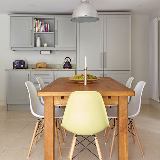 Grey Kitchen Bench: Grey Kitchen With Dining Table