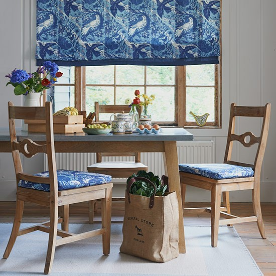 Blue Pictorial Fabric Country Dining Room Design Ideas