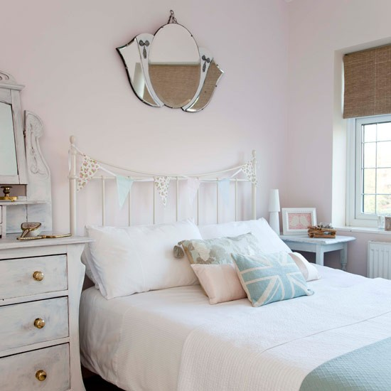 Country bedroom pictures house to home for Bedroom inspiration pastel