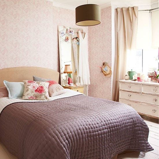 Shabby Chic Bedroom With Pink Floral Wallpaper Country