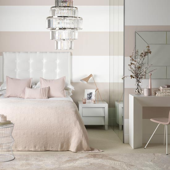 White And Pink Bedroom Interior Design Ideas