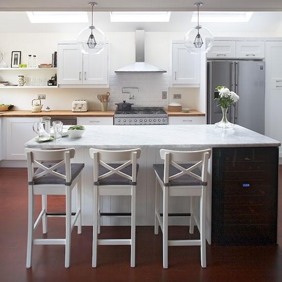 Modern White Shaker Kitchen With Breakfast Bar