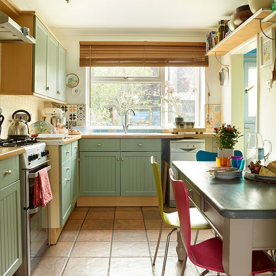 Country-style Green Kitchen