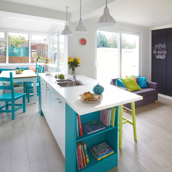 Kitchen Diner With Blue And Green Accents Decorating