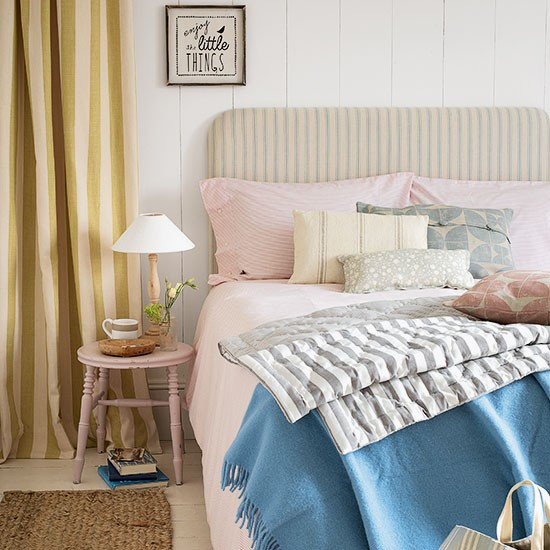pastel striped bedroom bedroom decorating country homes