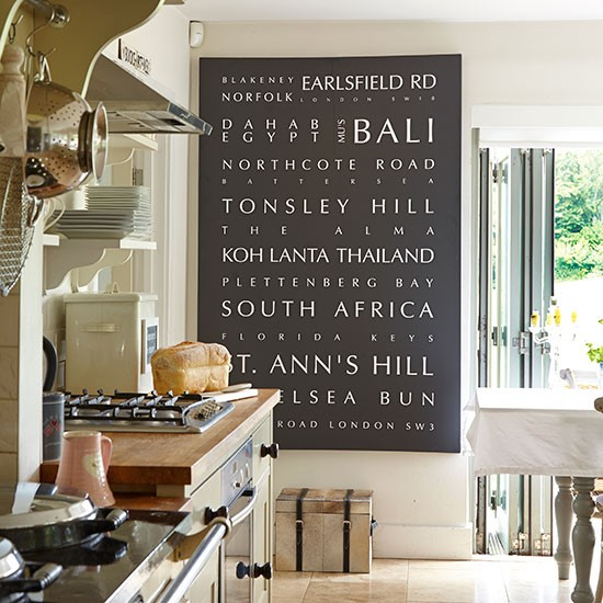 Country Kitchen Wall Decor: Neutral Country Kitchen