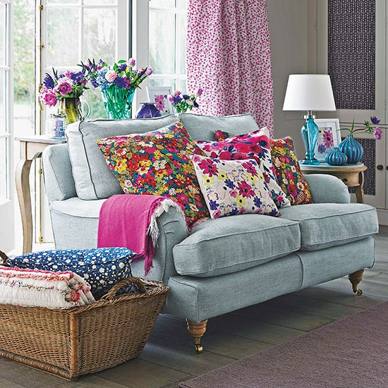 Housetohome Co Uk: Small Country Living Room Ideas