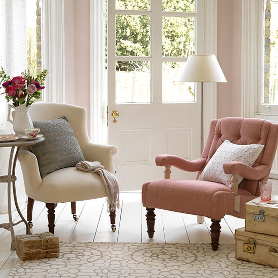Mix and match armchairs small country living room ideas for Living room ideas for small rooms