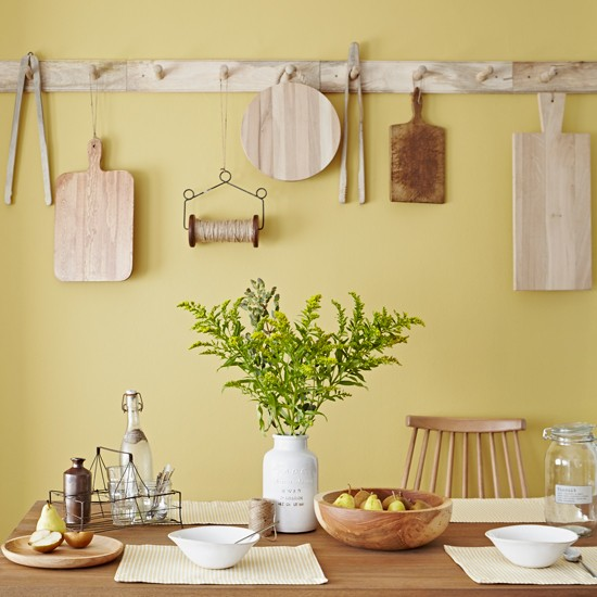 Yellow Country Kitchen Ideas: Wooden Accessories In Yellow Kitchen